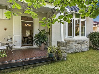Photo for Raglan Holiday Cottage in Central Mosman