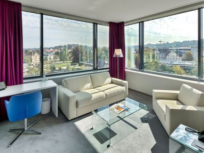 Photo for Junior Suite Gold mit Panoramafenster und King Size Boxspringbett