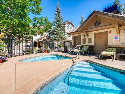 Photo for Multi-Level 4 Bedroom Townhome, Hot Tubs & More! Lovely Summer Getaway