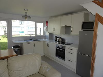 Newly refurbished kitchen area, looks really contemporary and super chic!
