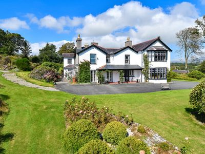 Photo for Located just a mile from the traditional market town of Pwllheli is the well maintained 100 acre Pen