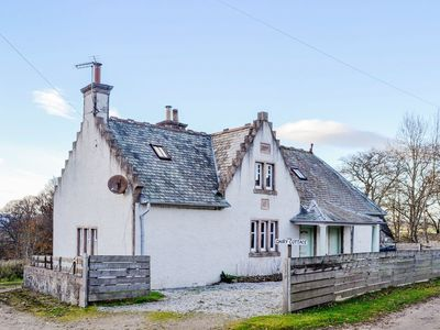 3 bedroom accommodation in Whitehouse, near Alford