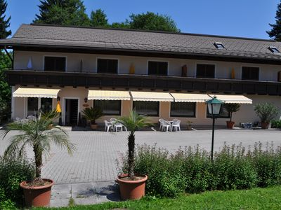 Photo for Apartment Faakersee (4 / 6pers) 60m² with 2 bedrooms and balcony