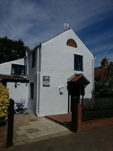Photo for Cosy Cottage in Central Holt, Norfolk