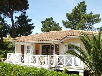 Photo for Mediterranean chalet near St. Tropez by the French Riviera