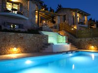 Beautiful well maintained villa and pool