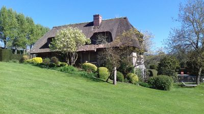 Photo for Superb Norman cottage with swimming pool and park of 10 ha near Pont l'Evêque