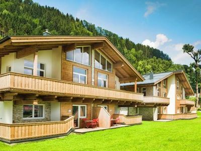 Photo for Holiday residence AlpenParks Residence, Zell am See  in Pinzgau - 6 persons, 3 bedrooms