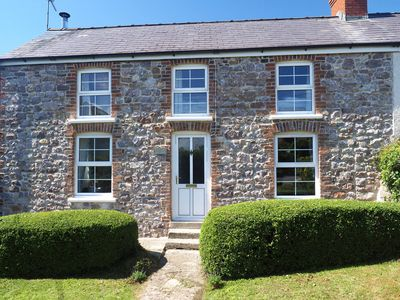Photo for Charming West End Cottage is lovely at any time of year. Beautifully presented and well equipped wit