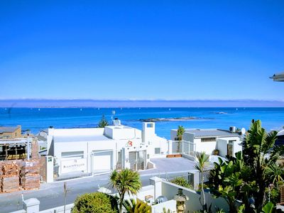 Photo for 5BR Villa Vacation Rental in Bloubergstrand, Western Cape