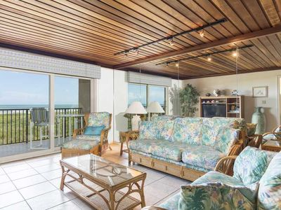Seagull 202 - Quiet Beachfront Hideaway with Endless Ocean Views, Swimming Pool, Spa, Washer/Dryer