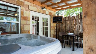 Photo for The Barn: Luxury Guesthouse 1 mile from main st, PRIVATE hot tub and courtyard
