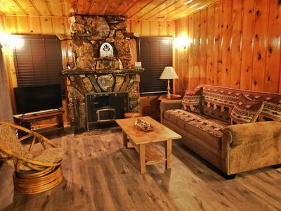 Photo for Bear cub cabin, 2 bed, 1 bath, sleeps 6, Disney+,HULU,ESPN, 5 min drive to lake