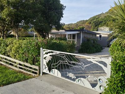 Photo for Cheerful Cosy Bach in South Bay, Kaikoura