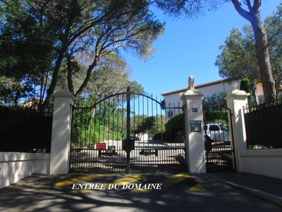 Photo for Apartment in Superb secure and landscaped area on the ground floor