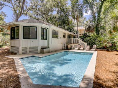 Photo for Dog-friendly, cozy home with a private pool for a relaxing stay