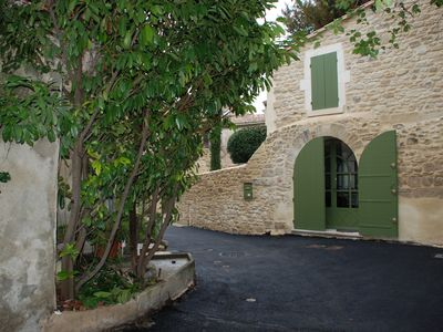 Photo for House 2 levels, garden / terrace, in the preserved space of Uzès. Conditioned.
