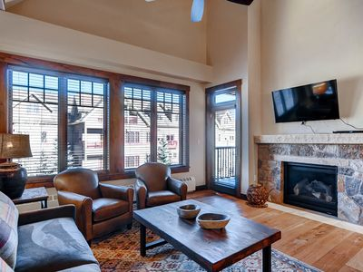 Photo for Gorgeous condo w/ open floorplan and vaulted ceilings at base of Peak 9!