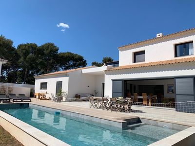 Photo for Large villa with pool 800 m beach