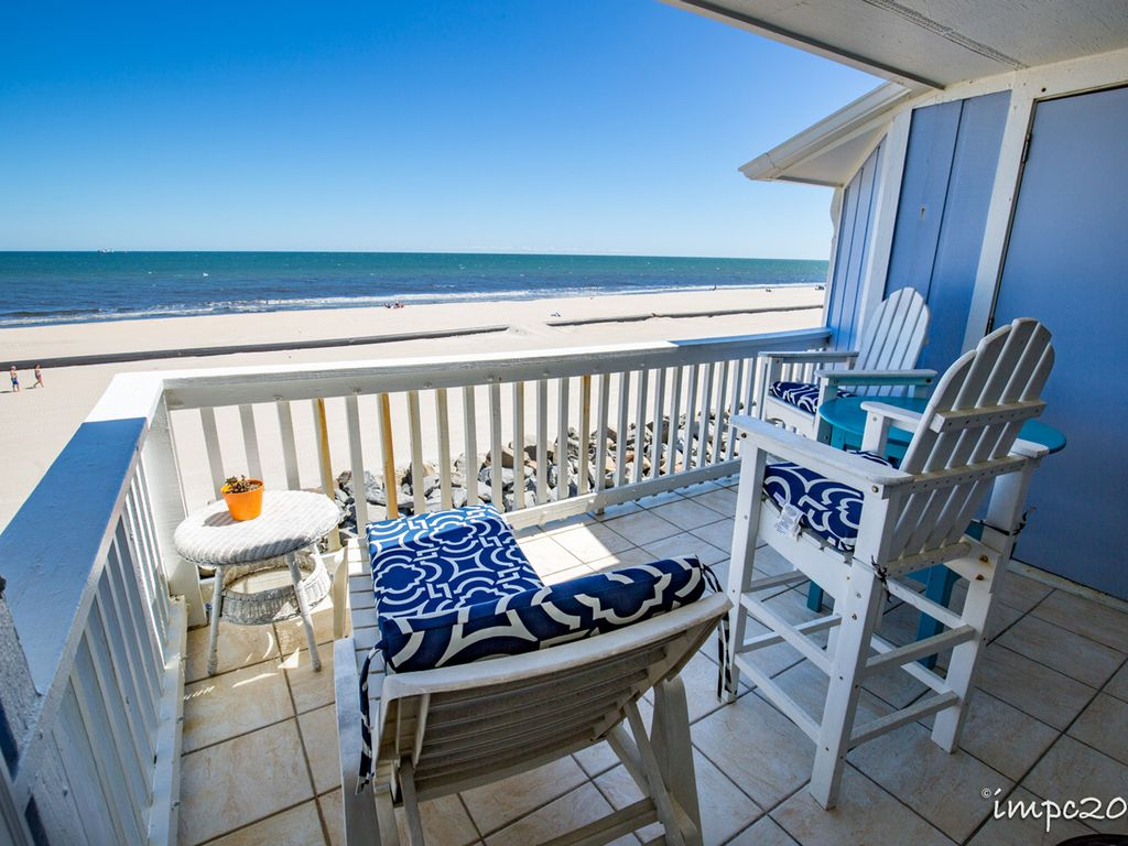 Scenic Oceanfront with King Sized Bed, Wifi, Carolina Beach,North ...