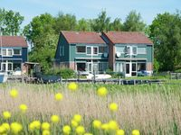 Lovely holiday home on the small marina, great location for exploring the area
