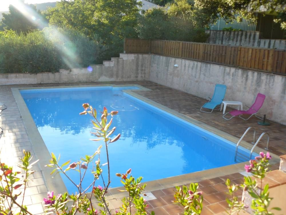 Maison avec jardin piscine priv e parking ollioules for Piscine ollioules