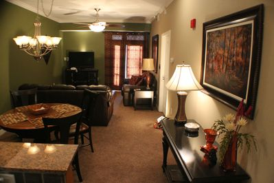 What you'll see when you walk in the door. Nice and roomy.