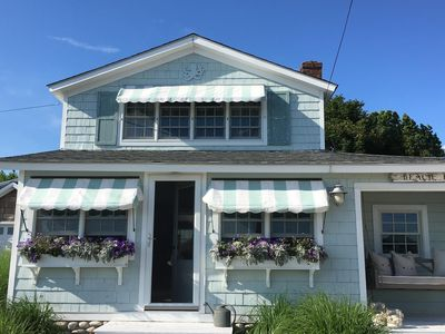 Photo for Quintessential Beach Cottage w/ROOFTOP Deck