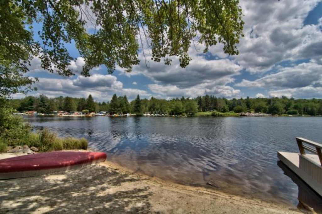 Family Friendly Lake Front With Huge Privat Homeaway