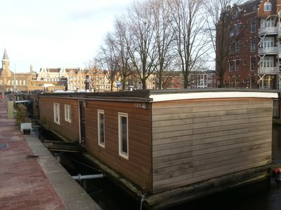 Stay in the place even local Amsterdammers dream of living in. She is steady as a rock, no motion is felt at all when in