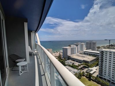 Photo for Modern Luxury Beachfront Hotel Large 1 Bedroom Great Views + 2 Balconies 18