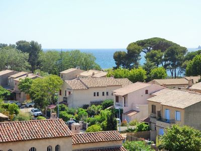 Photo for Studio refurbished with sea view and private parking
