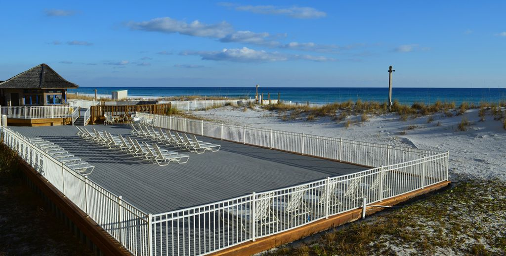 Luxurious Oceanfront 2 Bdrm Condo Listen To The Waves