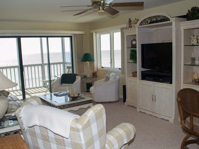 Photo for Great Oceanfront Condo! 2 BR with WiFi and pools!