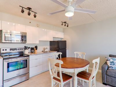 Photo for Ocean view! Popular Waikiki Banyan #3610 T1