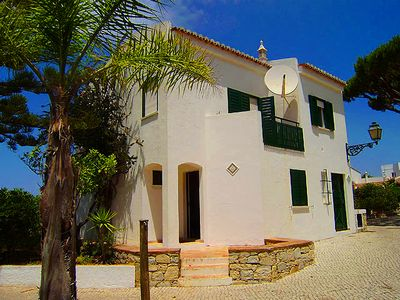 Photo for Two bedroom townhouse beside Vale do Lobo beach C531