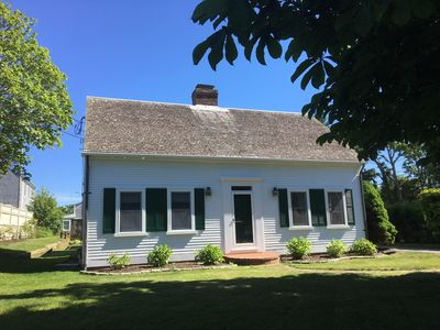 Photo for Charming home on Seaview ST, central AC, walk to Chatham Bars Inn & restaurants