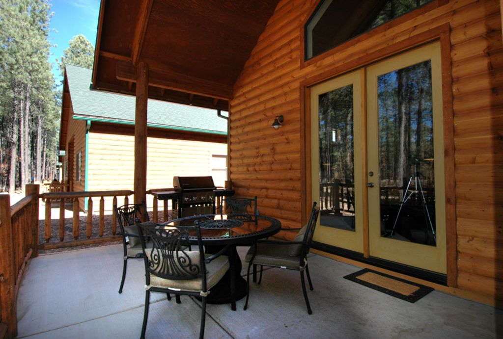 Luxury Cabin At Pinetop Crossing Close To Lakes Hiking And Sunrise Ski With Year Round