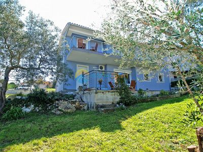 Photo for Apartment 1307/12421 (Istria - Banjole), Budget accommodation, 300m from the beach