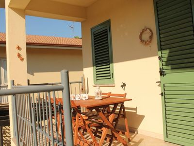 Photo for INDEPENDENT HOUSE WITH PARKING PLACE A FEW METERS FROM THE SEA