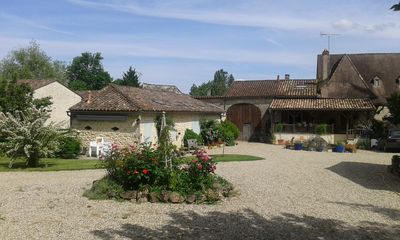 Photo for 4BR House Vacation Rental in St Martin du Puy, Nouvelle-Aquitaine