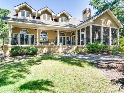 Photo for Lovely Vanderhorst Plantation home with great golf course & lagoon views!