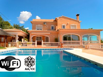 Photo for Calpe: Luxurious villa with private pool and sea views