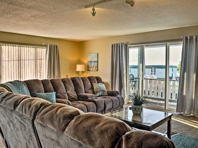 East Tawas Apartment Near Lake Huron & Downtown!