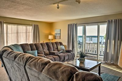 This East Tawas vacation rental apartment is the ultimate home-away-from-home!