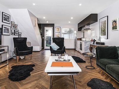 Photo for Downtown City Oasis - Christchurch City Townhouse
