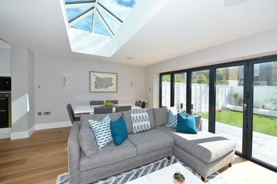 Beautiful Modern 4 Bedroom House In Fulham Sleeps 9 Veeve London Borough Of Hammersmith And Fulham