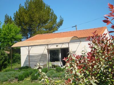 Photo for Spacious cottage in countryside and comfortable for 2/4 people Isle sur la Sorgue