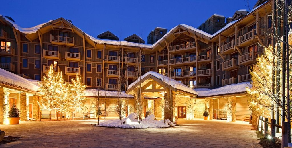 Four Seasons Residence. 2 Bed/2.5 Bath. Some winter weeks remaining!
