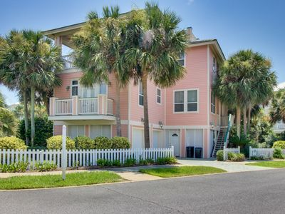 Photo for Lovely home w/ shared hot tub, pool & easy beach access - snowbirds welcome!